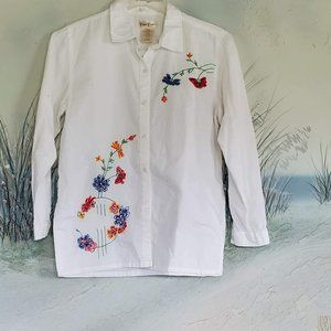 Bobbie Brooks White Embroidered Floral SPRING Top